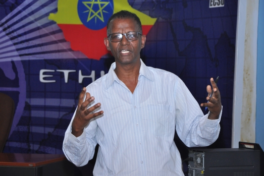 CUDE holds Public Lecture5