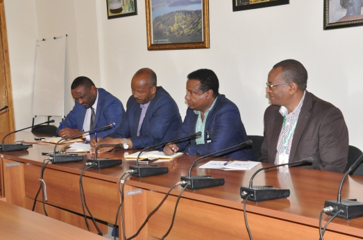 The Standing Committee Discussed with ECSU Top Management