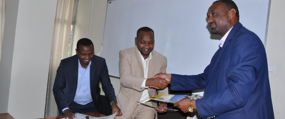ECSU and UDCB Asossa City Administration Signed Contract Agreement